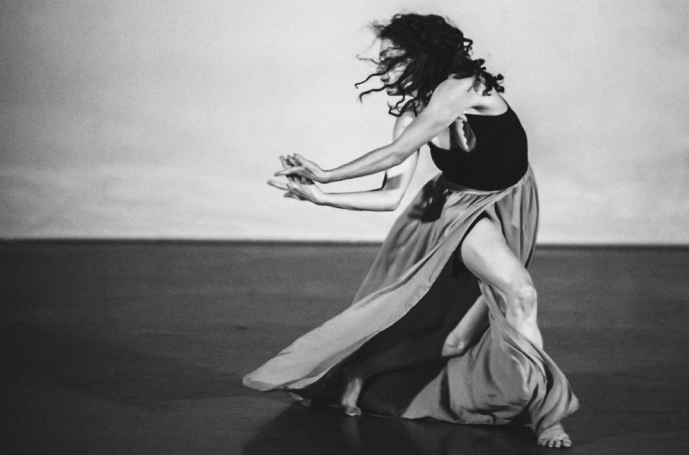 Laura Careless, Neruda Songs dance performance – Photo by Amanda Tipton